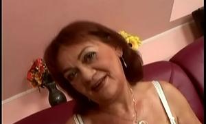 Perishable granny Marsha fucks in POV