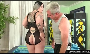 Obese bore Nova Jade receives a carnal knowledge kneading