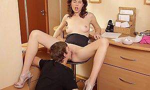 Tight pussy lose one's heart to and a creampie for a cute brunette